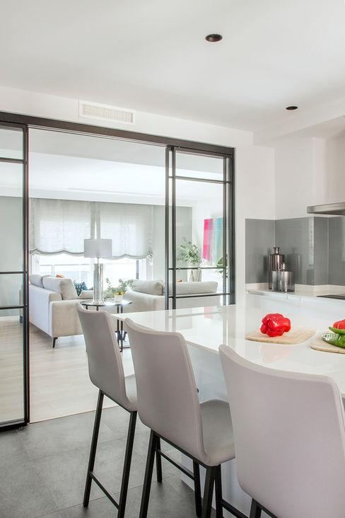 Reforma y Amueblamiento en vivienda piso en zona La Paz II itta estudio Cocinas de estilo moderno