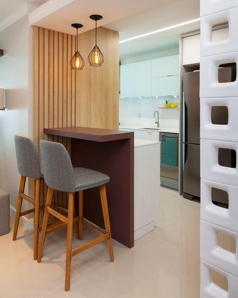 Bancada para Lanches l MMZ A84 Studio de Arquitetura Cozinhas modernas
