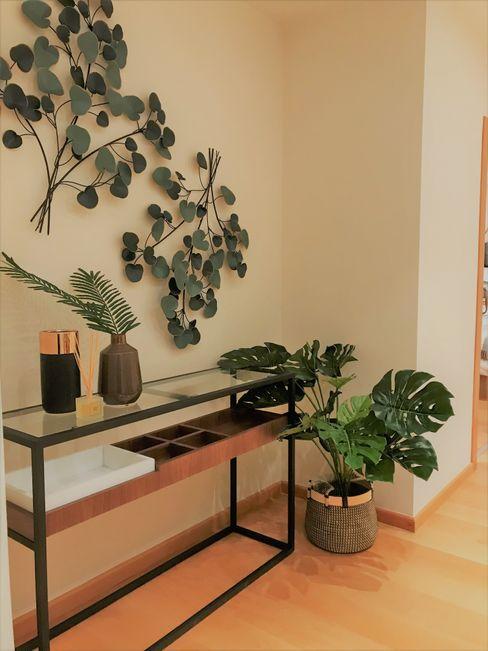 A interiorismo by Maria Andes Коридор, коридор і сходиАксесуари та прикраси Зелений