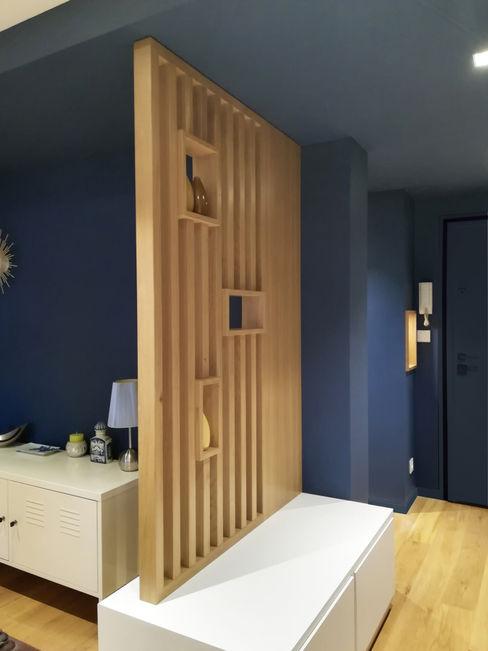 VUE SUR CLAUSTRA DEPUIS CUISINE Lionel CERTIER - Architecture d'intérieur Couloir, entrée, escaliers modernes