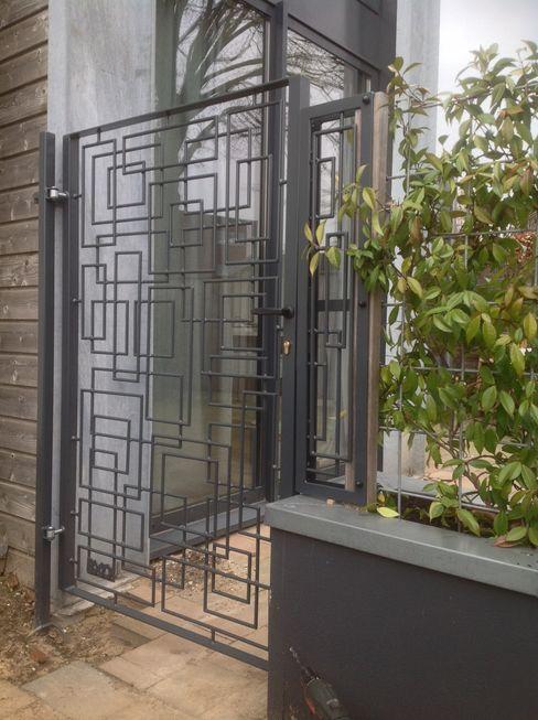 Tuinpoort BXO vijverroosters Moderne tuinen