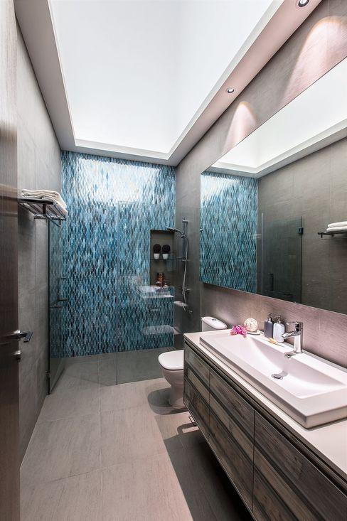 Trevose Crescent Summerhaus D'zign Modern bathroom