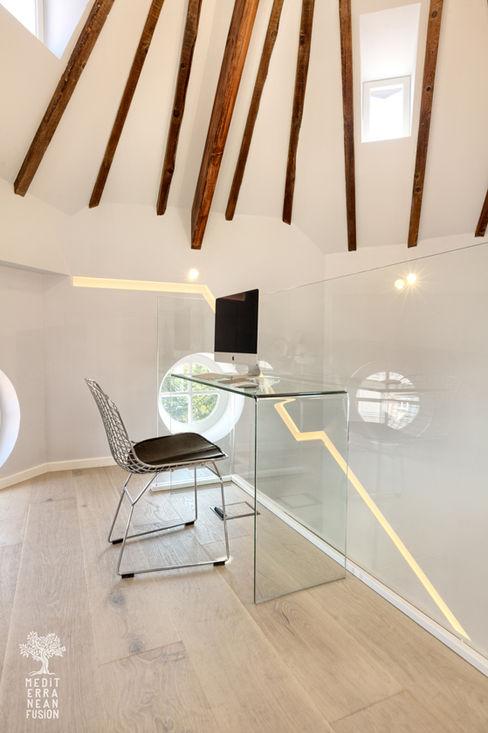 MEDITERRANEAN FUSION S.L. Study/office Glass Black
