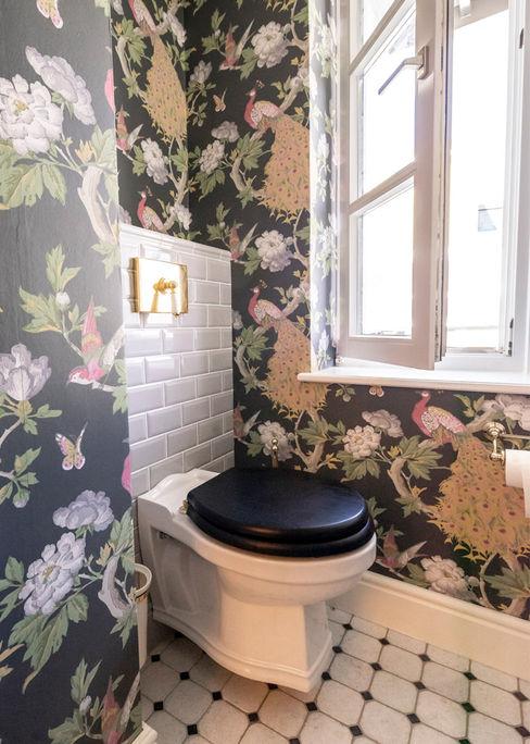 Traditional Bathrooms GmbH Salle de bain classique