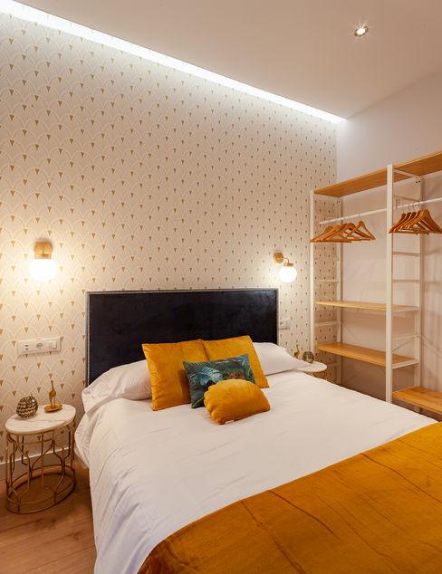 Dormitorio WINK GROUP Dormitorios de estilo minimalista Madera Blanco