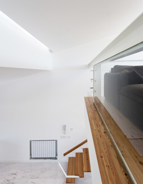 Mezanino AAP - ASSOCIATED ARCHITECTS PARTNERSHIP Salas de estar modernas Vidro Branco