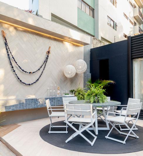 Sunbrella Moderner Balkon, Veranda & Terrasse