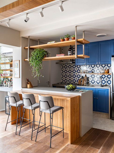 Marcela Wandenkolk Arquitetura Cocinas pequeñas Madera Azul