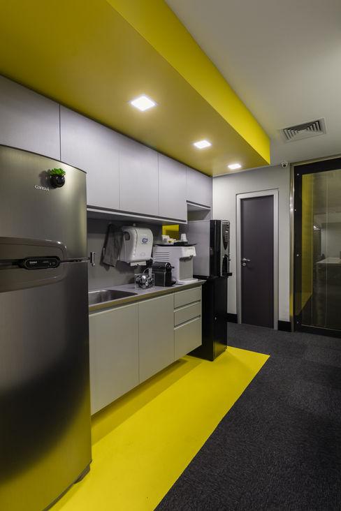 Arquitetura Sônia Beltrão & associados Minimalist commercial spaces Stone Yellow