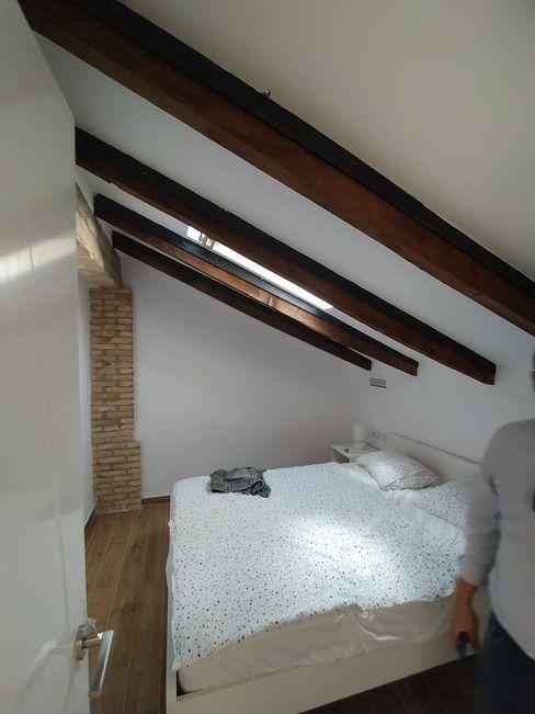 Vista interior: imagen del dormitorio principal OCTANS AECO Dormitorios de estilo moderno