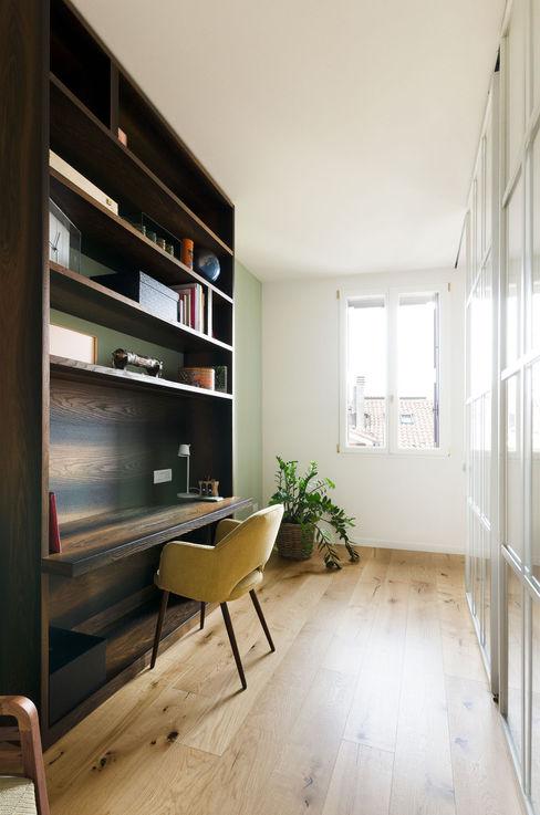 Attico RG - studio locatelli pepato Studio moderno Legno massello Marrone