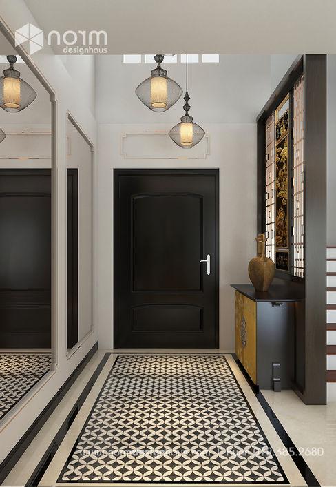 Norm designhaus Pasillos, vestíbulos y escaleras de estilo asiático