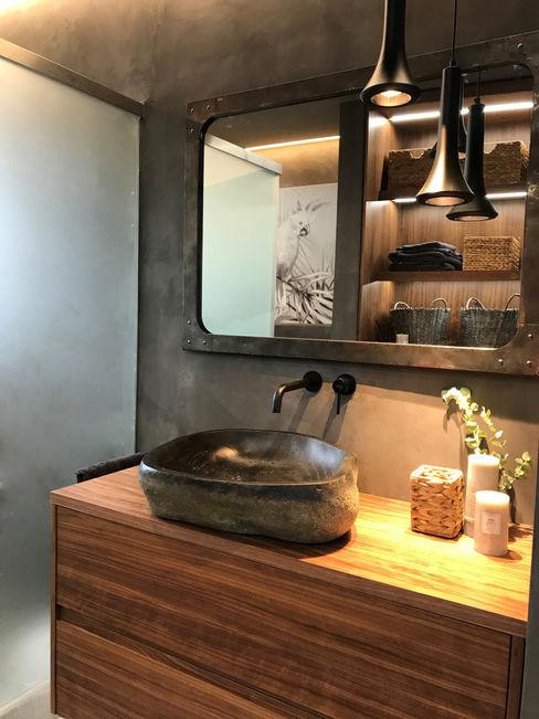 Un baño muy exótico, cambio de look A interiorismo by Maria Andes Baños de estilo tropical Hormigón Gris
