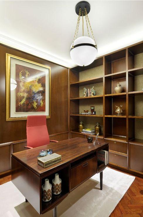 Escritório OMNU_Creative Houses Espaços de trabalho clássicos
