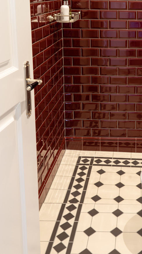 Traditional Bathrooms GmbH Classic style bathroom Red