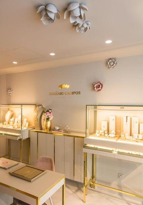 Eugénio de Campos - Jewels Regina Pinheiro Studio Lojas e Espaços comerciais clássicos