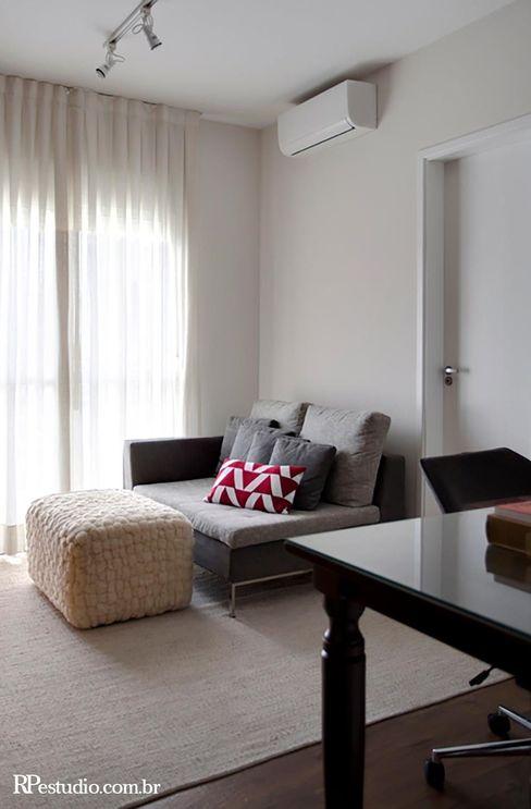 RP Estúdio - Roberta Polito e Luiz Gustavo Campos Modern Study Room and Home Office