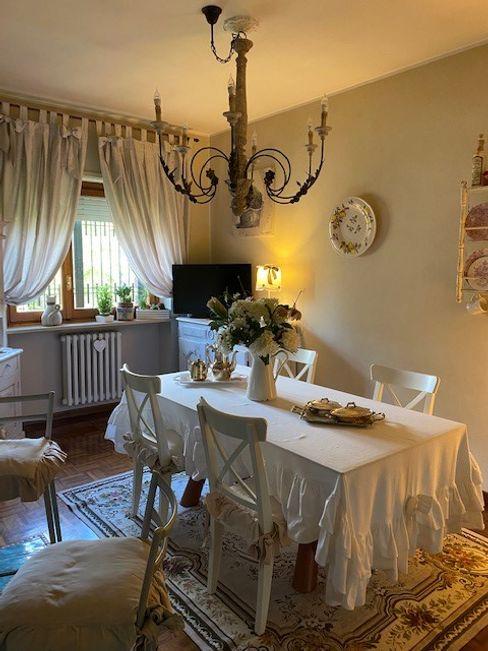 Restyling della sala da pranzo Silvia Camporeale Interior Designer Sala da pranzo in stile classico Legno Bianco