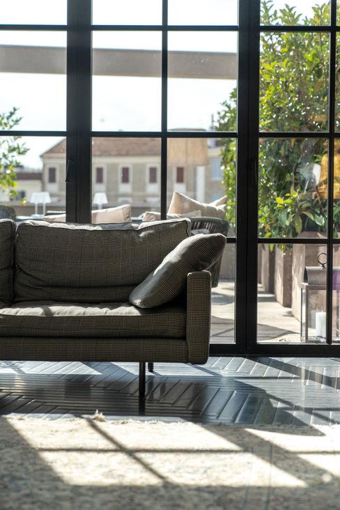 Progetto Infissi Comes Finestre & Porte in stile moderno