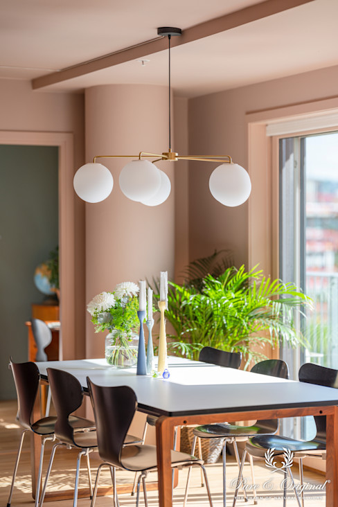 Pure & Original Eclectic style dining room