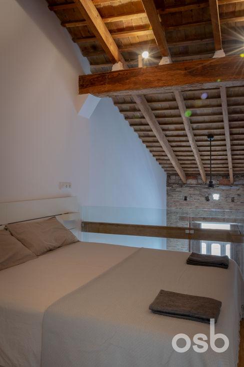 dormitorio osb arquitectos Dormitorios de estilo mediterráneo Acabado en madera