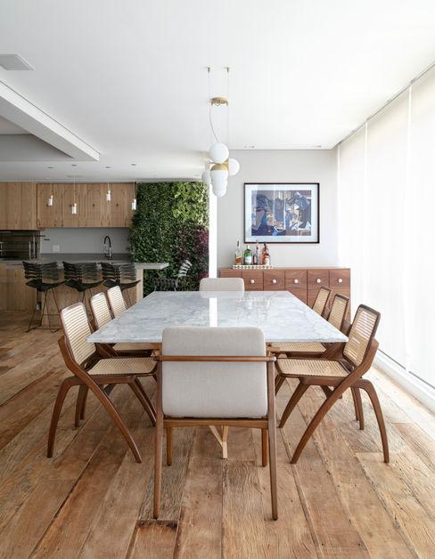 Vista do jantar DCC by Next arquitetura Salas de jantar mediterrâneas Cinza