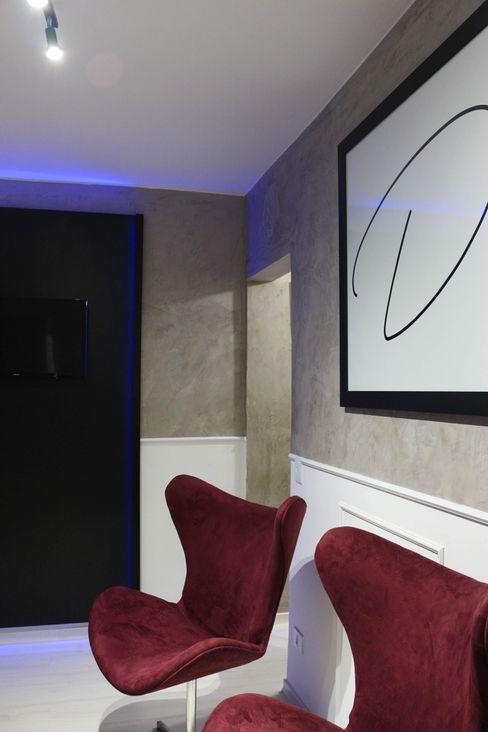 Muita luminosidade Carmela Design Lojas e Espaços comerciais modernos Ferro/Aço Branco
