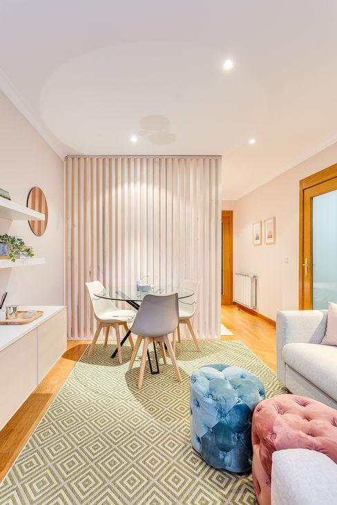 Sala com inspiração escandinava Tangerinas e Pêssegos - Design de Interiores & Decoração no Porto Salas de estar escandinavas Multicolor