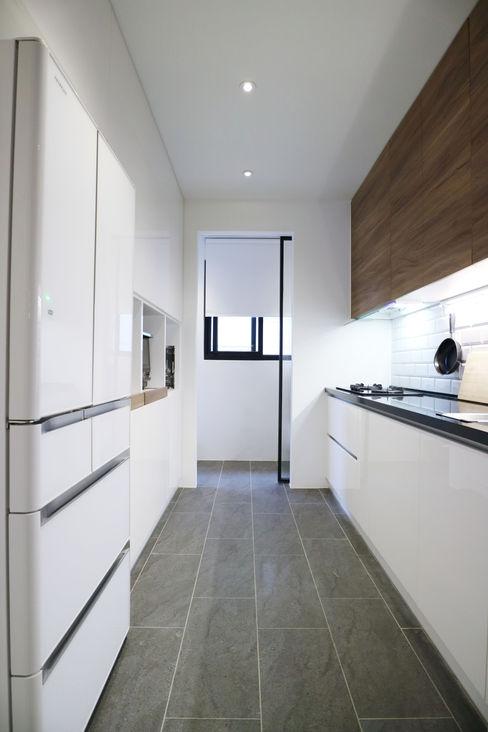 Kitchen Vida yonghe 德曜居家櫥裝有限公司 現代廚房設計點子、靈感&圖片