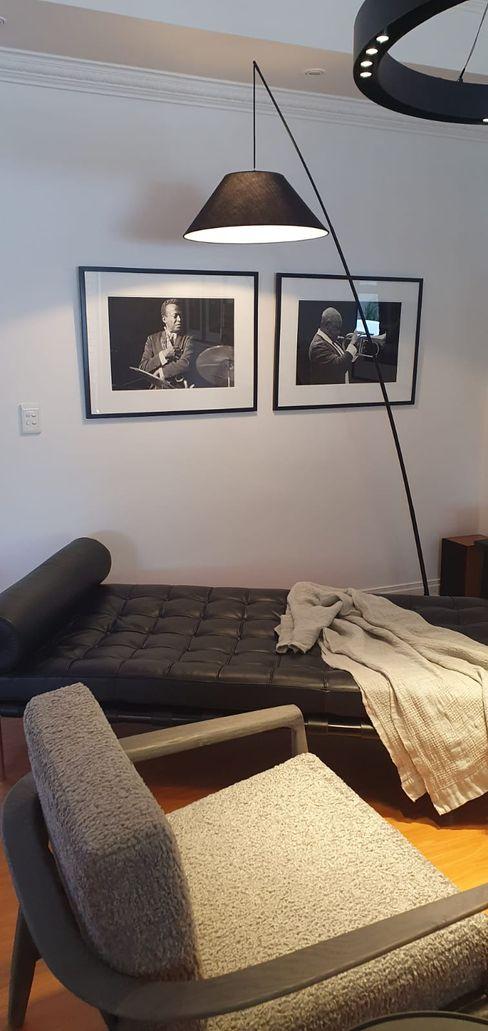 Blues mood lounge Deborah Garth Interior Design International (Pty)Ltd Living roomLighting Leather White