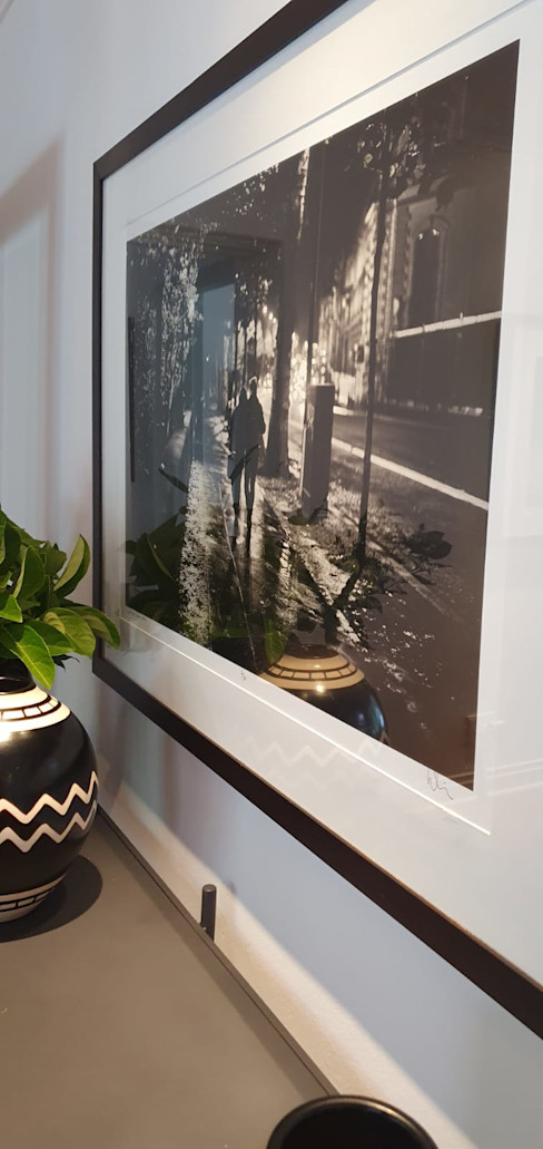 All in the detail. Dining room Deborah Garth Interior Design International (Pty)Ltd Dining roomAccessories & decoration Ceramic Black