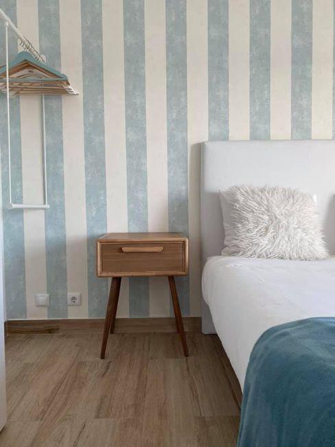Quarto em casa de praia em Peniche Jo Decor Quartos pequenos Azul