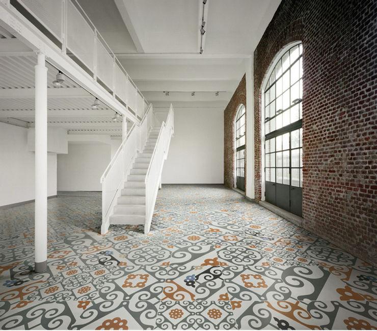 homify Couloir, entrée, escaliers originaux