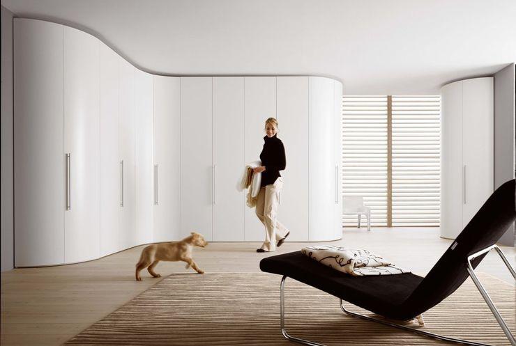 Egger´s Einrichten INETRIOR DESIGN Camera da letto eclettica