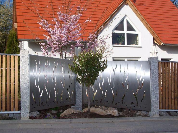 Stainless Steel Fence Edelstahl Atelier Crouse: JardinesDecoración y accesorios