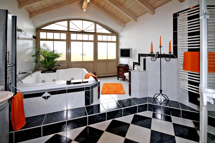 Bad in DHH homify BadezimmerWannen und Duschen