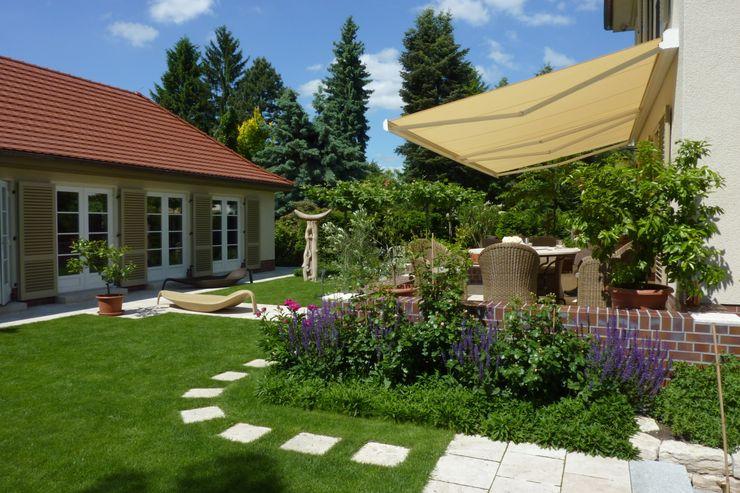 neuegaerten-gartenkunst Mediterranean style garden
