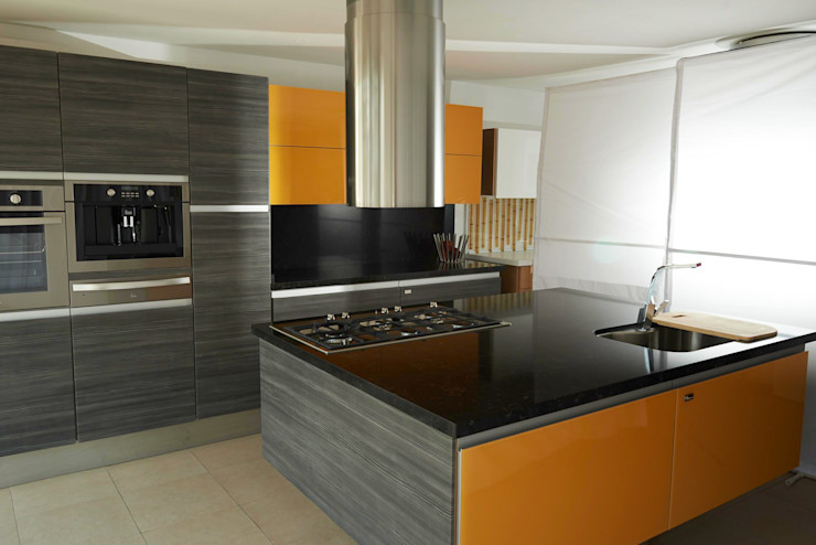 Aura Cocinas KitchenCabinets & shelves