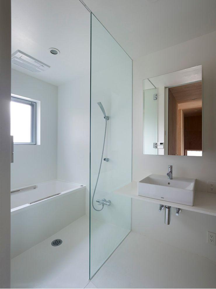 浴室 小泉設計室 モダンスタイルの お風呂