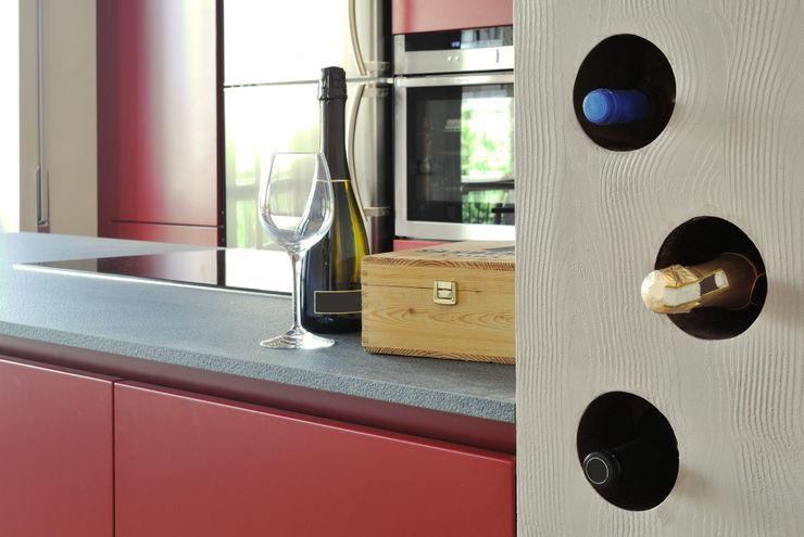 cantina CAFElab studio Sala da pranzoScaffali per il vino