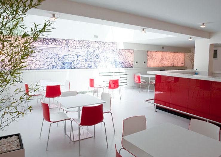 IONDESIGN GmbH Locaux commerciaux & Magasin modernes