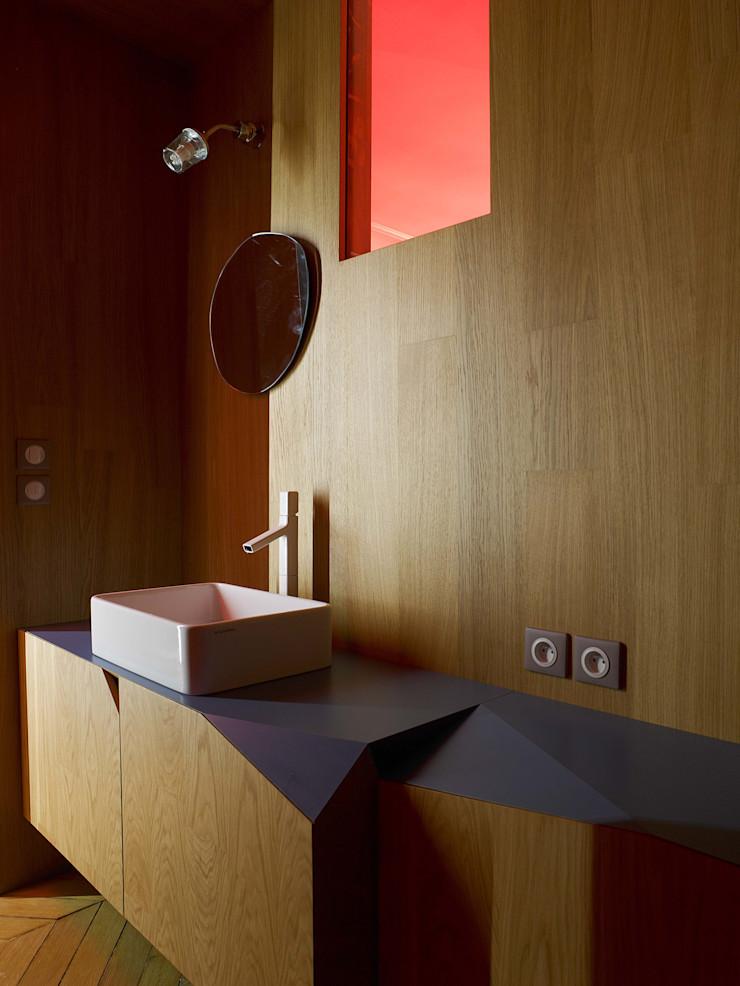 THE TRUE WOLF WEARS HIS FUR INSIDE Marcante-Testa Bathroom