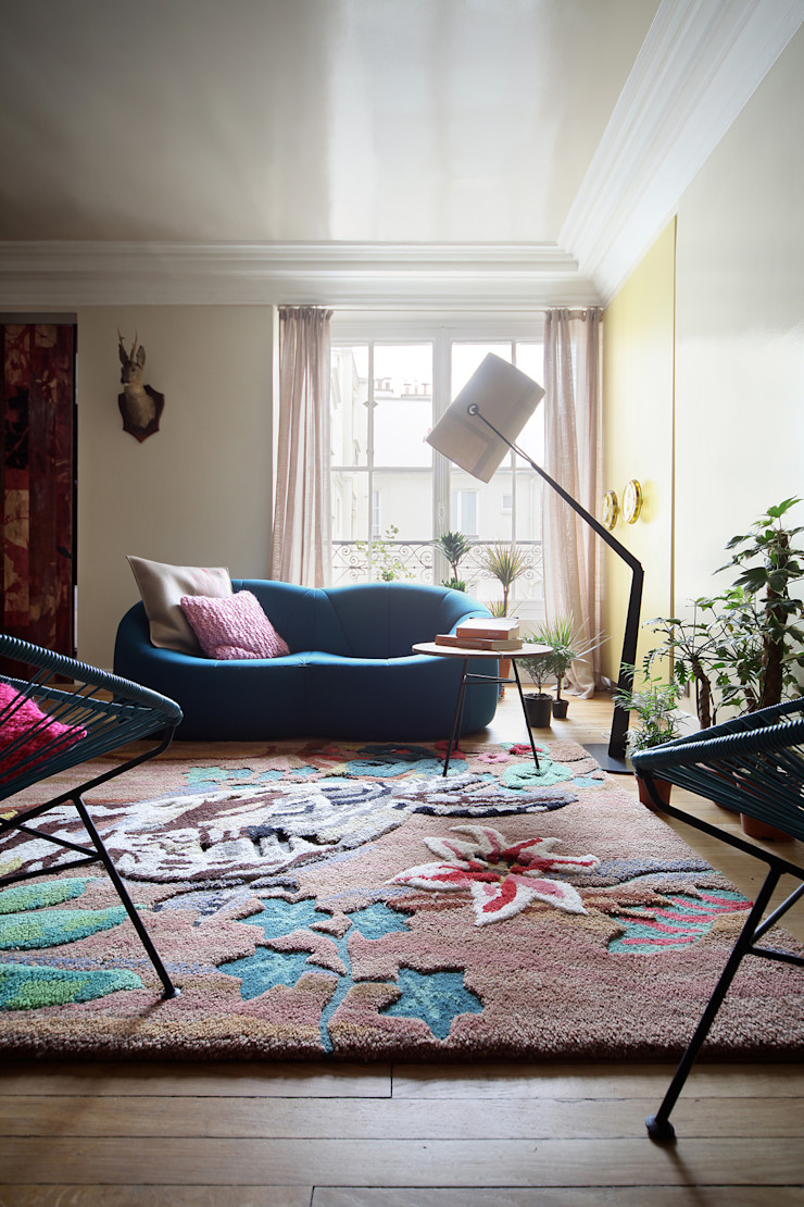 THE TRUE WOLF WEARS HIS FUR INSIDE Marcante-Testa Living room