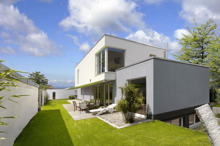 b2 böhme BAUBERATUNG Casas estilo moderno: ideas, arquitectura e imágenes