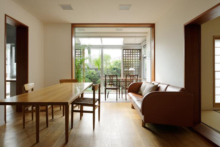 Kikumi Kusumoto/Ks ARCHITECTS Ruang Keluarga Modern
