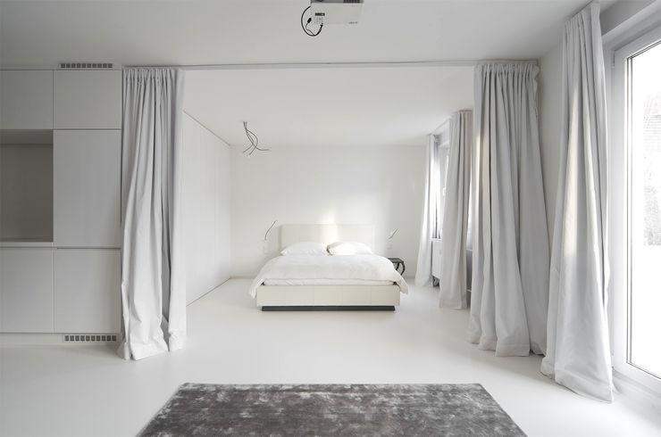 Alexander John Huston Phòng ngủ phong cách hiện đại