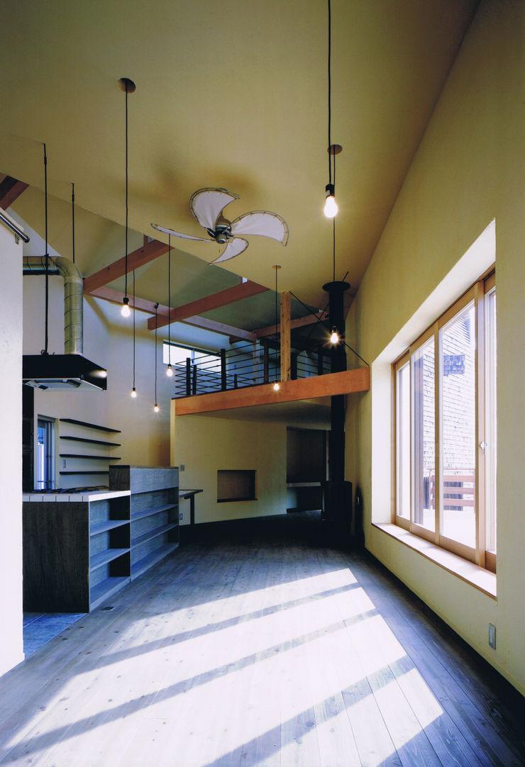 eu建築設計 Salas de estilo ecléctico