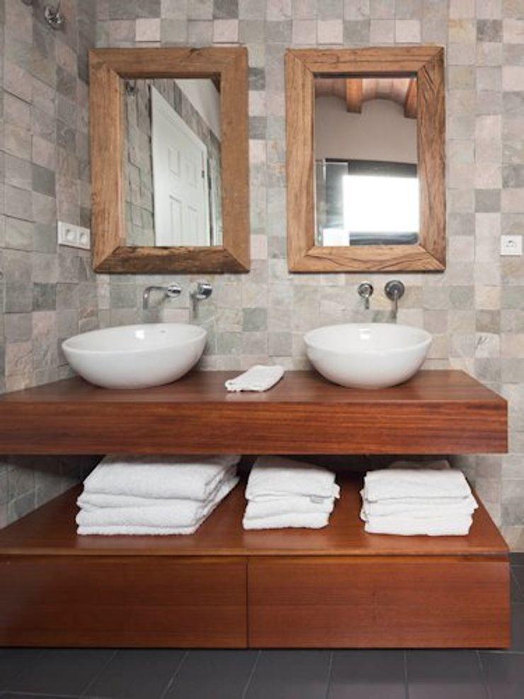 The Room Studio BathroomStorage