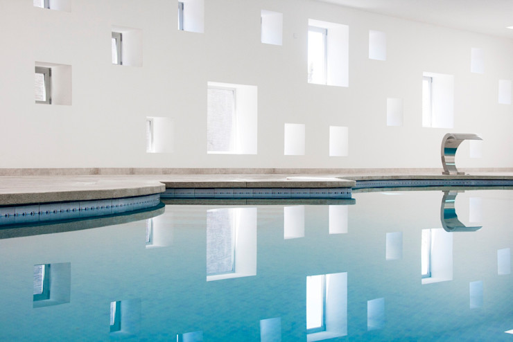 Pool and spa area for an Hotel A2arquitectos Spa