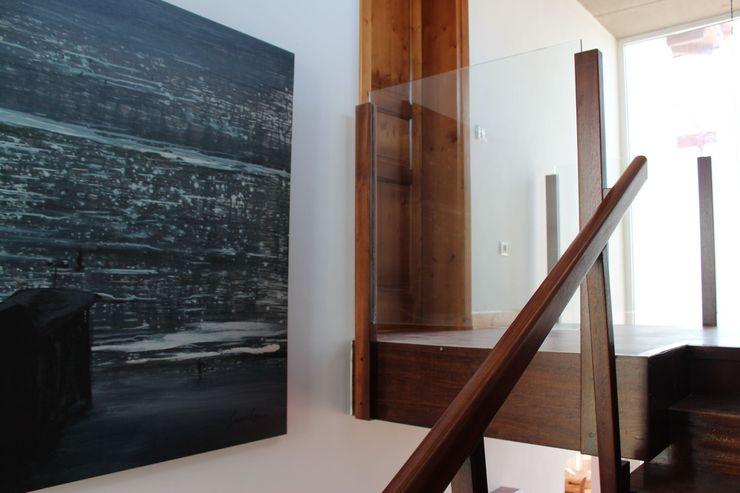 Tatiana Doria, Diseño de interiores Corridor, hallway & stairsStairs